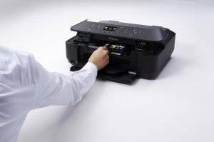 Druckerpatrone des Canon MG6450 Multifunktionsdruckers tauschen